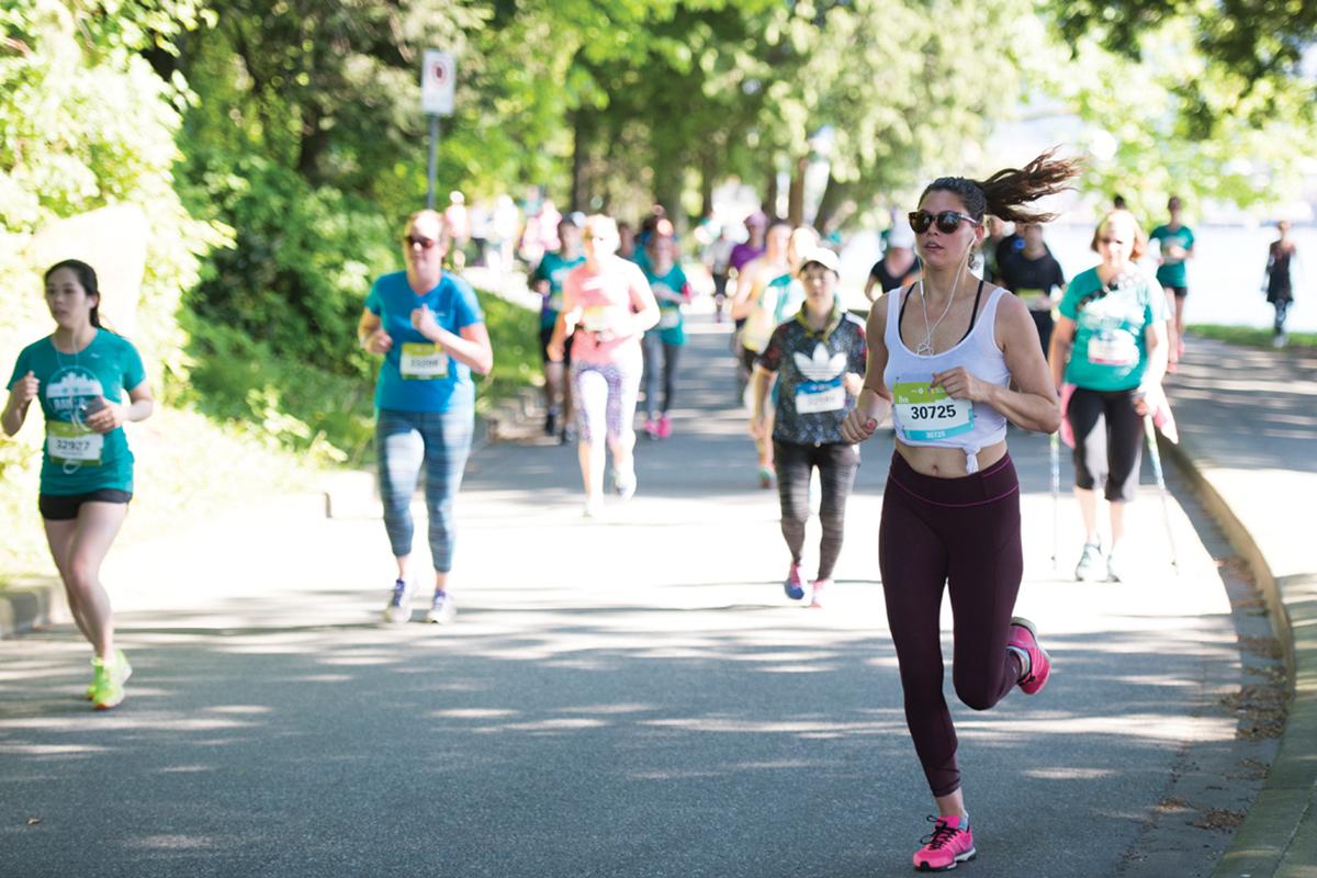 BMOVM.M.Images-HalfMarathon-40-2016-8KMf100.IvanCalderon.VancouverMarathon BMO Vancouver Marathon Half Marathon Best Top Scenic Award-winning Race
