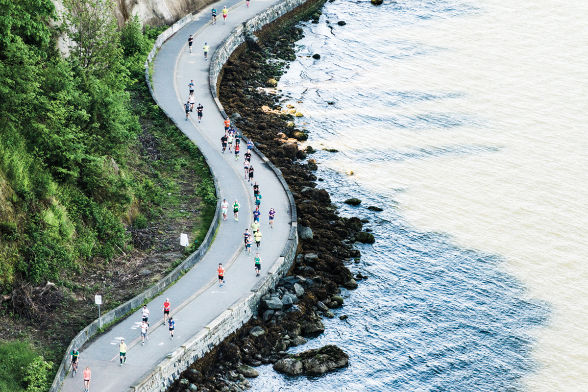 Stunning Running. Award-winning: https://bmovanmarathon.ca/visitors/marathon-awards Photo: Maylie Lang / RUNVAN®