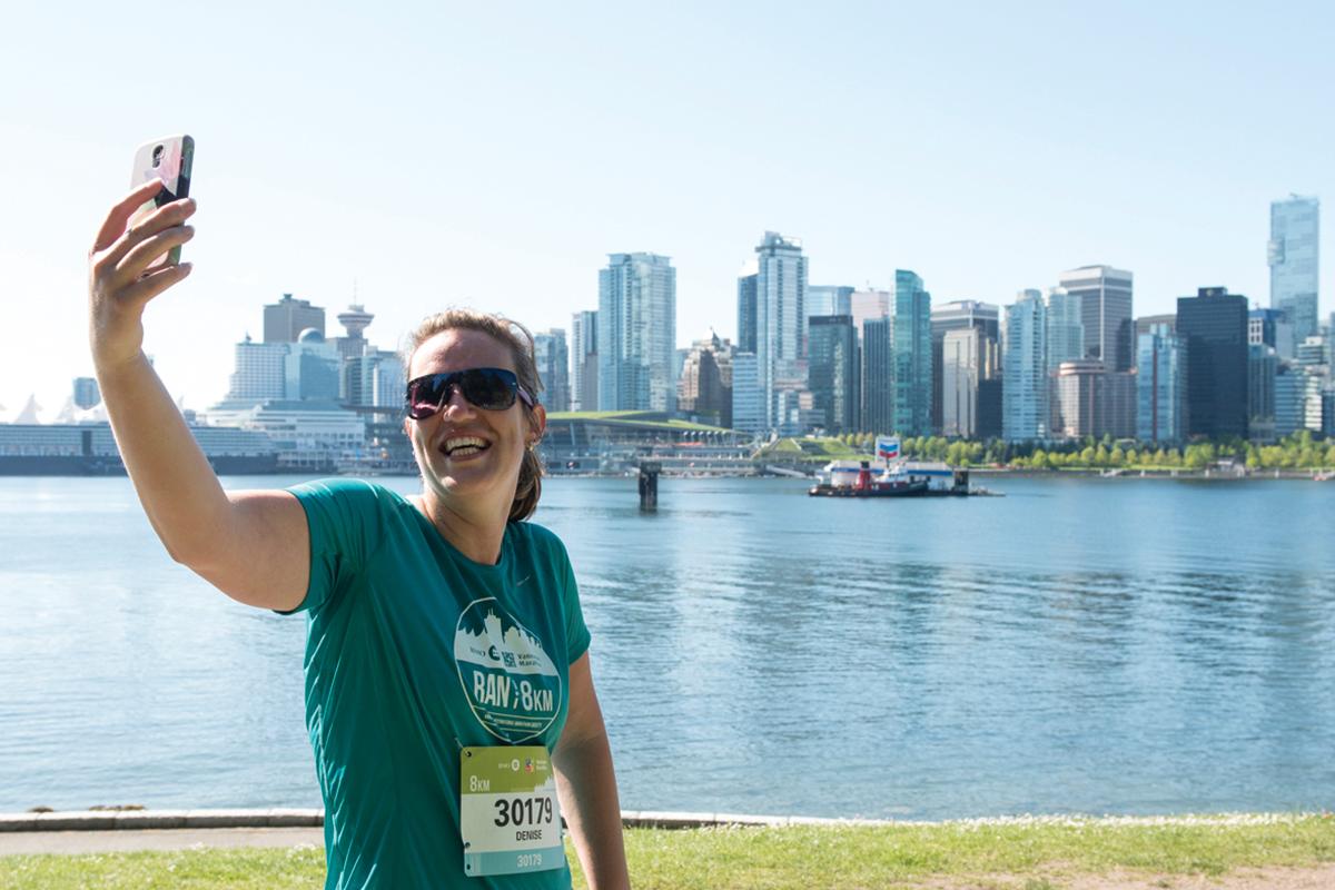 BMOVM.M.Images-8KM-40-2016-Selfie.IvanCalderon.VancouverMarathon