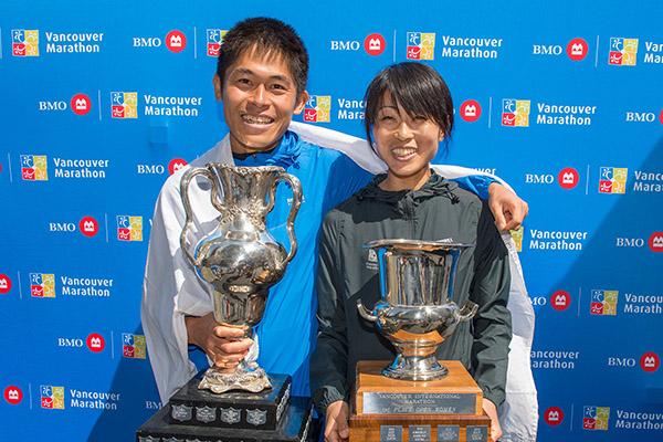 100-2019.M.BMOVM-BMOVancouverMarathon.champions.YukiKawauchi.Yuko-RunVan_05-05-19_2806-600x400px-ChristopherMorris-RUNVAN®