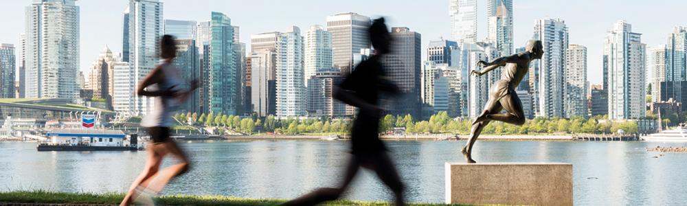 BMOVM.M.Images-1000x300-44-2016.Harry.Statute.IvanCalderon.VancouverMarathon