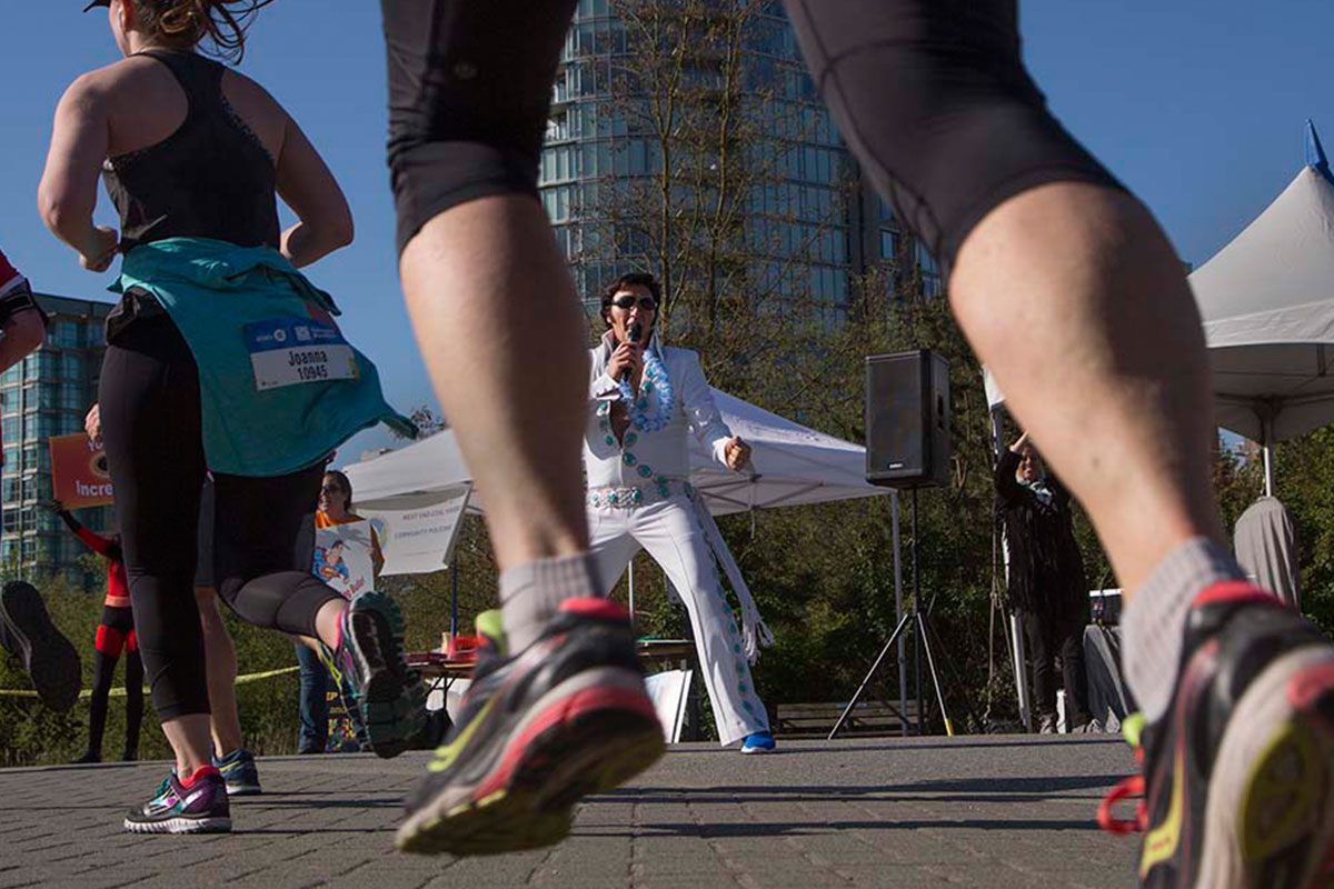 35-2017-EvlisBand.AndyClark.VancouverMarathon