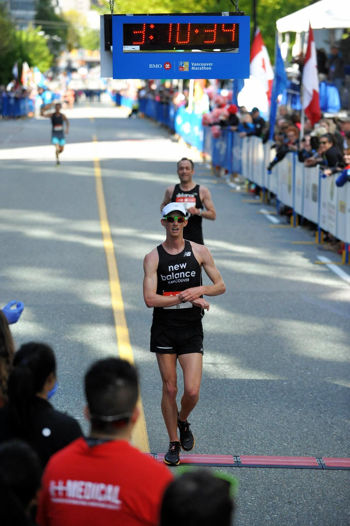 49-2017-EvanDunfee-OlympianRaceWalker-VancouverMarathon-MarathonFoto-RUNVAN-web
